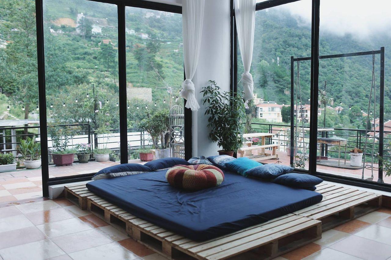 Không gian phòng ngủ thoáng rộng ấm áp tại Bách Xanh Homestay