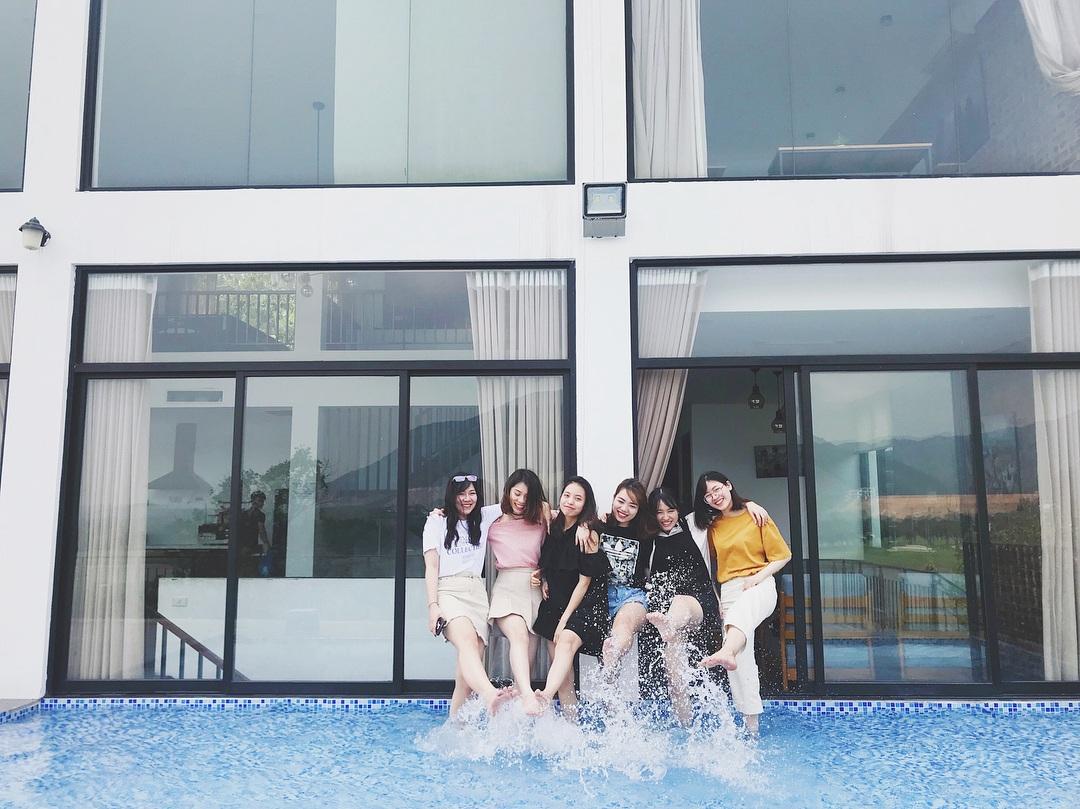 Mê mân với không gian và hồ bơi ở Golf View Villa