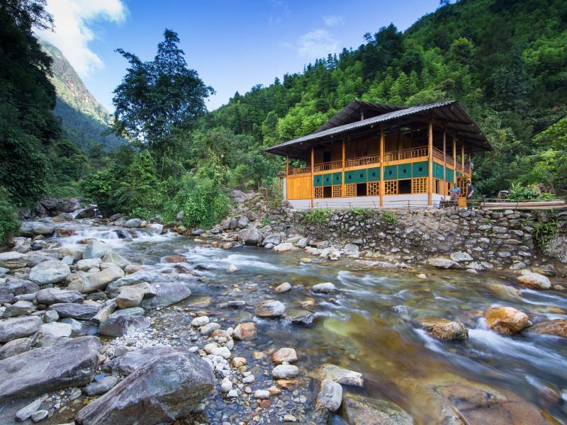 Nam Cang Riverside Lodge cũng sang trọng và bình yên